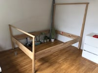 Gorgeous wooden Queen size bed frame Los Angeles, 91601