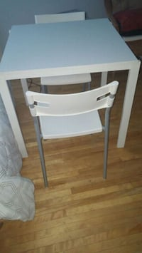 Ikea Melamine table and chairs Toronto, M6H 3B3