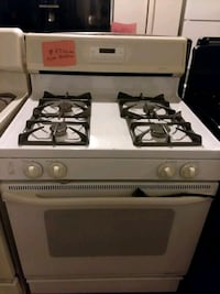 Kenmore stove gas propane excellent condition 4months warranty  Halethorpe, 21227
