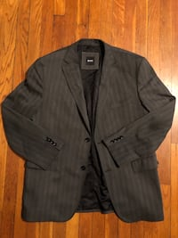 Hugo Boss men's blazer paid $380 size 42R. Excellent condition worn twice  Washington, 20002