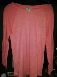 VICTORIA SECRET PINK, LIGHT PINK LONG SLEEVE  Omaha, 68114