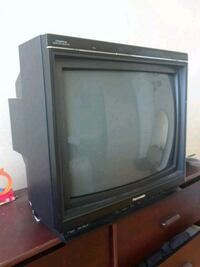 black CRT TV with remote Mississauga, L5J 2C7