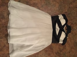Le chateau Party Dress / Grad Dress