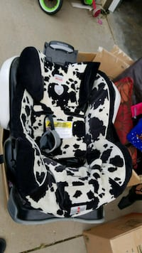 black and white floral car seat carrier