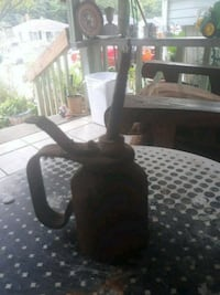 Antique oil can Charlotte, 28205