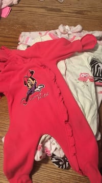 12 long sleeve sleepers 0-6 months girls  Brookline, 65619