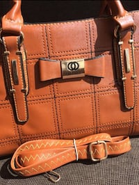 Brown leather tote bag and wallet Milton, L9T 6X5