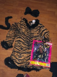 Child size medium tiger kitty costume West Covina