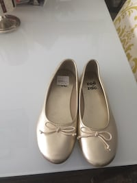 Flats size 4 youth  Kitchener, N2N 2A3