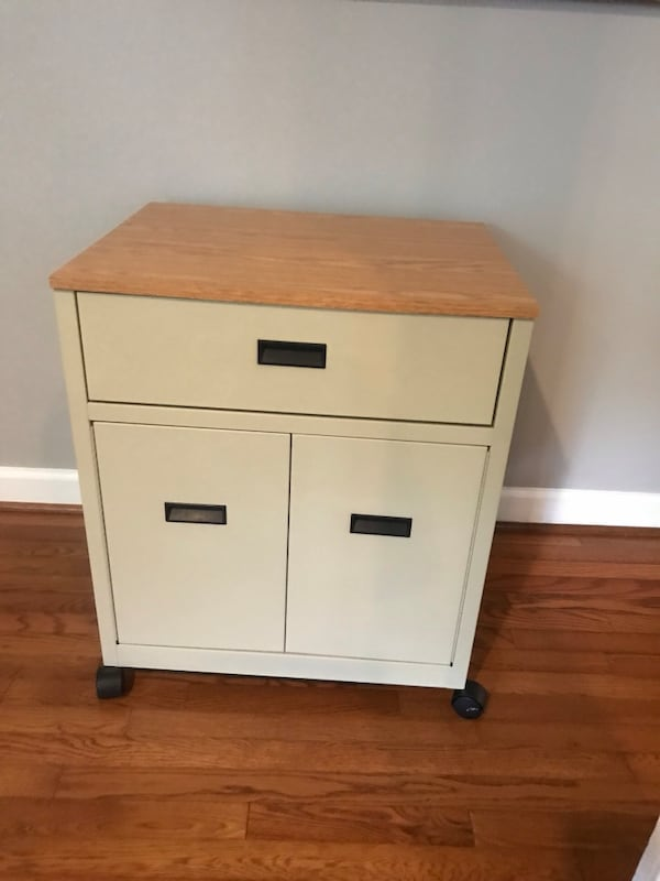 Rolling nightstand or cart 0