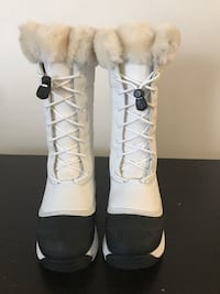 Woman's Baffin Winter Boots Guelph, N1E 0C3