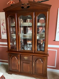 Cherry Wood China Cabinet and Dining Room Table La Plata, 20646
