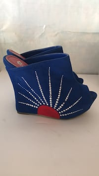 Alba size 9 blue suede shoes with diamonds rhinestone  Las Vegas, 89166