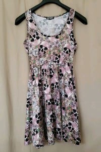 Pink skull and flower Dress (Medium) Elkridge, 21075