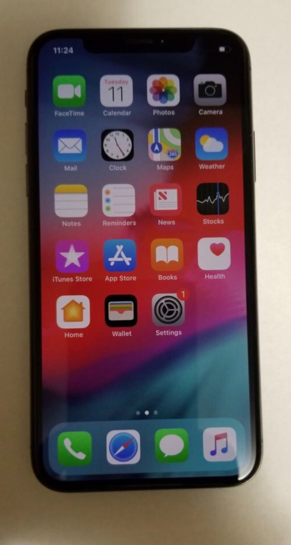 space gray iPhone 6 with black case