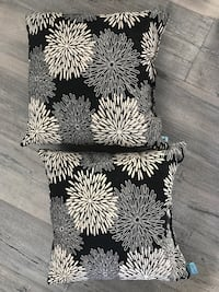 Set of two floral outdoor pillows Fort Collins, 80525