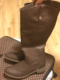 pair of brown leather knee-high boots Summerville, 30747