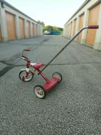 Radio Flyer Classic Red Retro Tricycle w/ Push Han Oakville, L6H