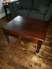 Wood coffee table Pointe-Claire, H9R 3T6