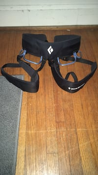 Climbing harness used once brand new Charlotte, 28210
