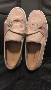 Shoes- like new, worn 4x. Size 6 1/2 Toronto, M1T 1N7