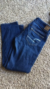 Up for sale is a lot of Hollister junior girls clothing. -Hollister bikini size S. Very good color has faded. -Hollister jean shorts size 00 W -Hollister skirt size M. EUC. -Hollister thermal top.