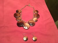 Brown necklace and earring set. Melbourne, 32940