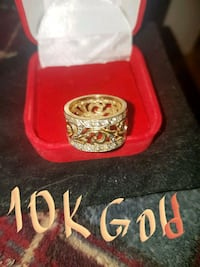 BEAUTIFU 10K REAL GOLD RING WITH QUALITY ZIRCONIA