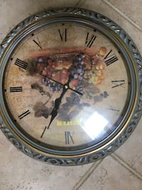 Wall clock  Harpers Ferry, 25425