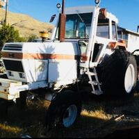 1982 case tractor Apple Valley, 92307