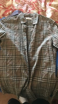 Burberry Button-Up Size Small! Toronto, M1X 1Y7