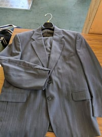 Men's suit size 38x30 Charleston, 25312