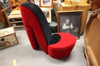 Red shoe chair $95 Oshawa, L1H 4H2