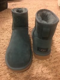 Uggs size 7, teal