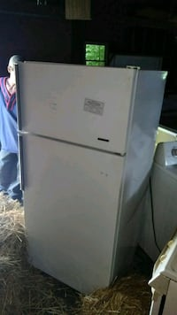 white top-mount refrigerator Youngstown, 44502