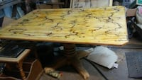 Beautiful electrocuted dining room table Bossier City, 71112