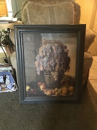 Picture of grapes, black frame