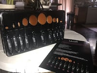 Brand new oval make up brushes  Newport News, 23601