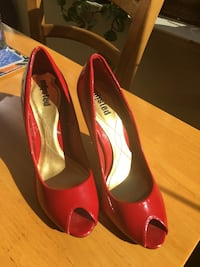 Red high heels Concord, 94521