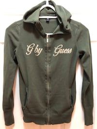 Guess zip sweater size medium Langford, V9B 0N8