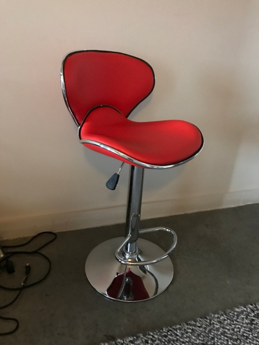 Used Red Bar Stools In Atlanta