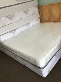White and gray mattress pack Baltimore, 21222