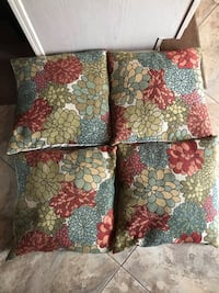 4 Throw pillows  52 mi