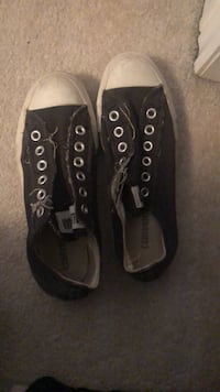Converse size 5 men 7 women's  Vaughan, L4J 7K7