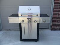 Kitchen Aid 3-Burner Gas Grill null