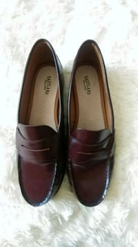 Eastland Women's Leather Loafers 7 1/2 Shoes Olympia, 98513