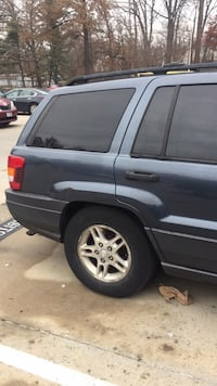 black Jeep Grand Cherokee SUV Silver Spring, 20902