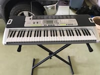 Casio Key Lighting System LK-200s keyboard with stand