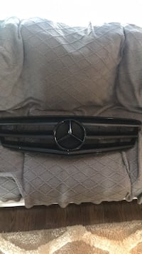 Mercedes C300 Gloss Black Grill Mount Sinai, 11766