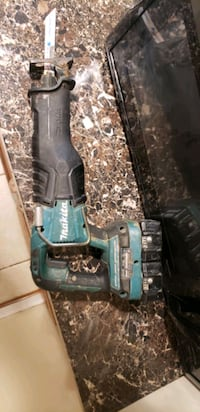 green and black Makita cordless power drill Alexandria, 22312